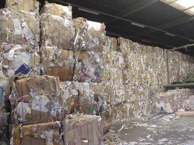 US paper recycling rate drops